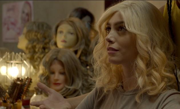 Juliana Schalch em 'Anjo loiro com sangue no cabelo' (Foto: Divulgação)