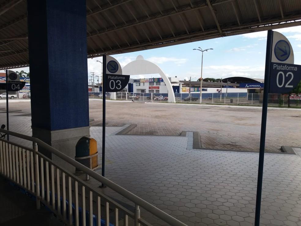 Em Iguatu, no interior do Ceará, expectativa das empresas de transporte intermunicipal era retomar serviço na segunda-feira, mas circulação foi suspensa. — Foto: Wandemberg Belém/SVM