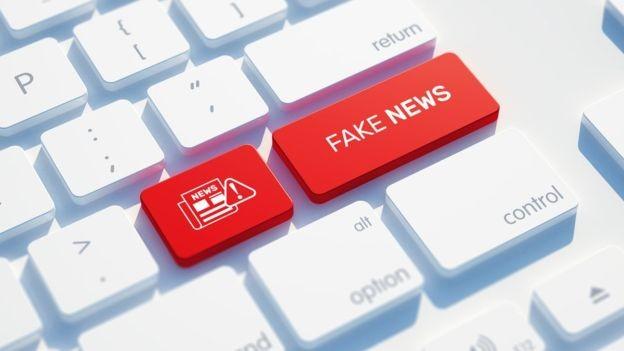 Analfabetos funcionais estariam mais suscetíveis à desinformação e a golpes aplicados pela internet (Foto: Getty Images/via BBC News Brasil)