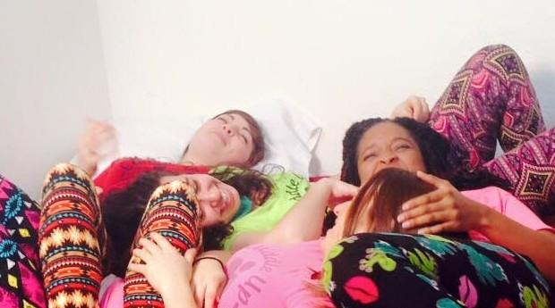 Abraçadoras profissionais da Cuddle Up to Me (Foto: Divulgação)