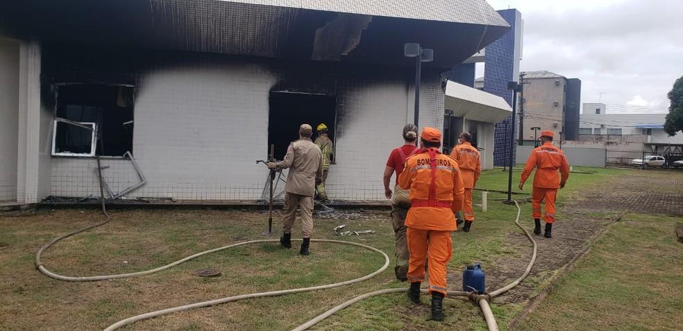 Incêndio no prédio do INSS em Porto Velho — Foto: Corpo de Bombeiros/Divulgação