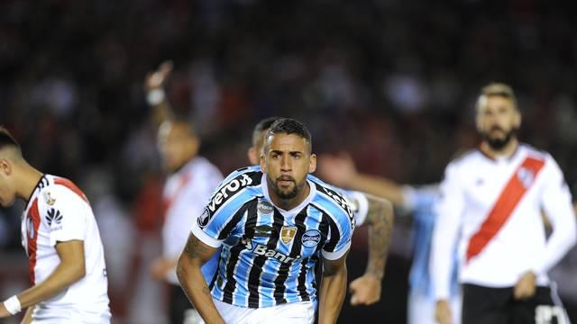 Michel sai para comemorar gol do Grêmio