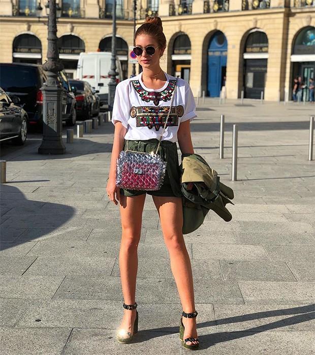 Menos peças não significa menos elegância: Marina Ruy Barbosa é rainha em montar looks chiques (Foto: Instagram / Marina Ruy Barbosa)