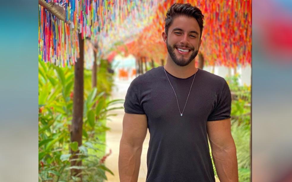 Carlos Henrique era coordenador de marketing, tinha 24 anos, e natural de Goiânia, Goiás — Foto: Reprodução/Instagram