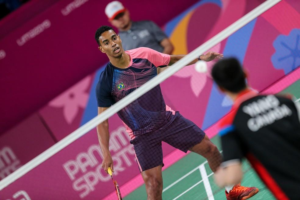 Ygor Coelho bateu canadense com atuação de gala na final masculina no badminton em Lima — Foto: Abelardo Mendes Jr/ rededoesporte.gov.br