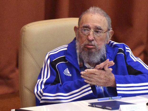 O ex-presidente de Cuba Fidel Castro participa da cerimônia de encerramento do 7º congresso do Partido Comunista Cubano em Havana (Foto: Omara Garcia/AIN/Reuters)