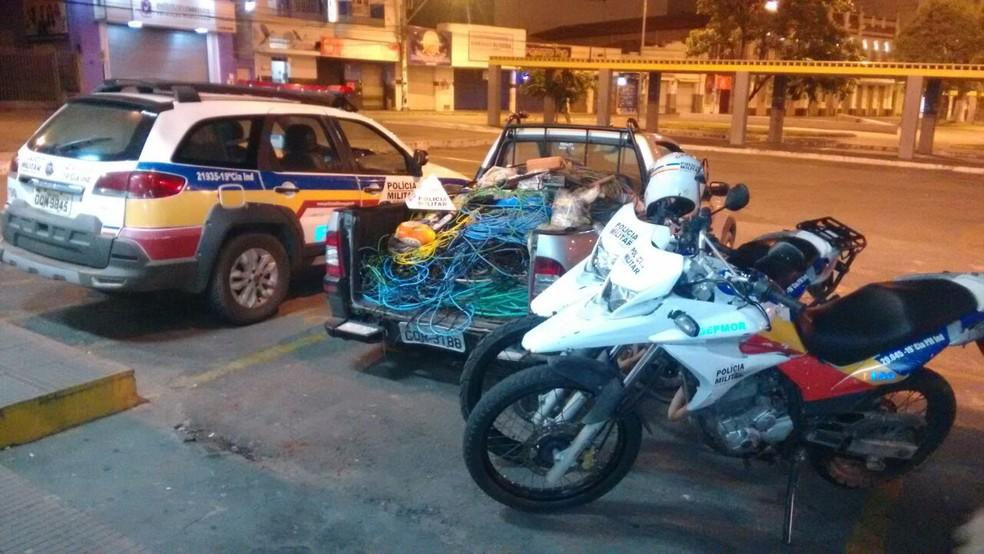 -  O material roubado e o carro foram apreendidos  Foto: Polícia Militar/Divulgação