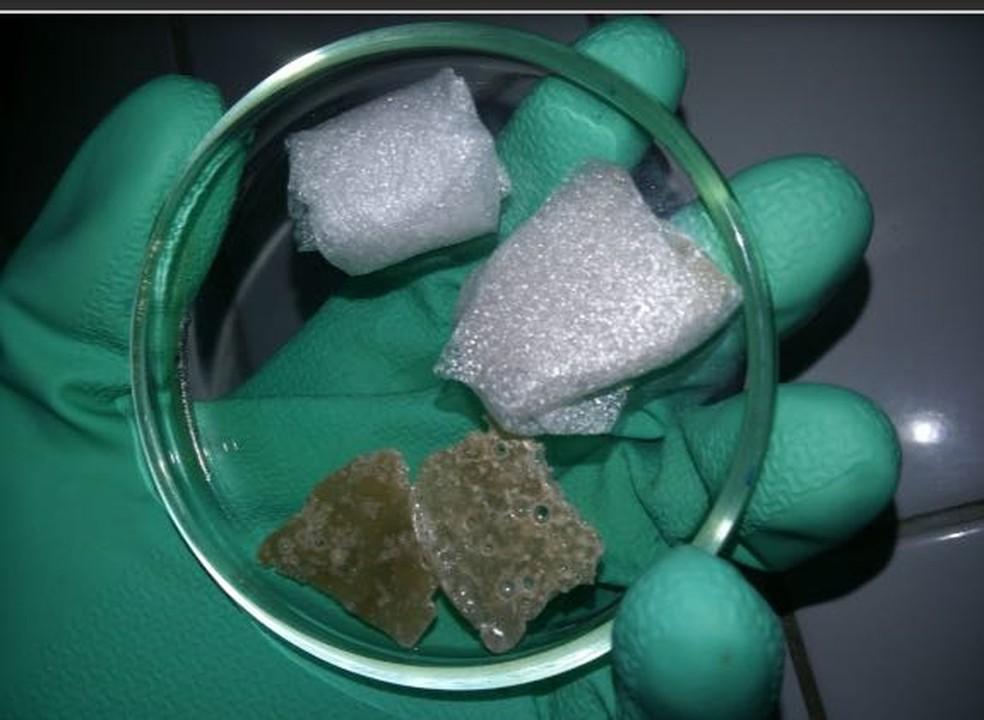 Cristal poroso desenvolvido pela estudante cearense Myllena Cristyna.  (Foto: Arquivo pessoal)
