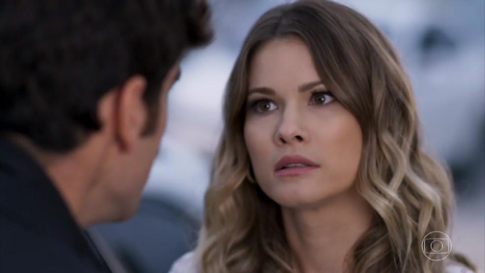 Jéssica (Karen Junqueira) fica perplexa com a atitude de Felipe (Marcos Pitombo) - 'Haja Coração' — Foto: Globo