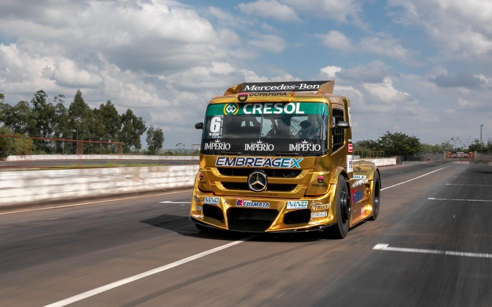 Caminhão da Copa Truck — Foto: Marcelo Brandt / G1