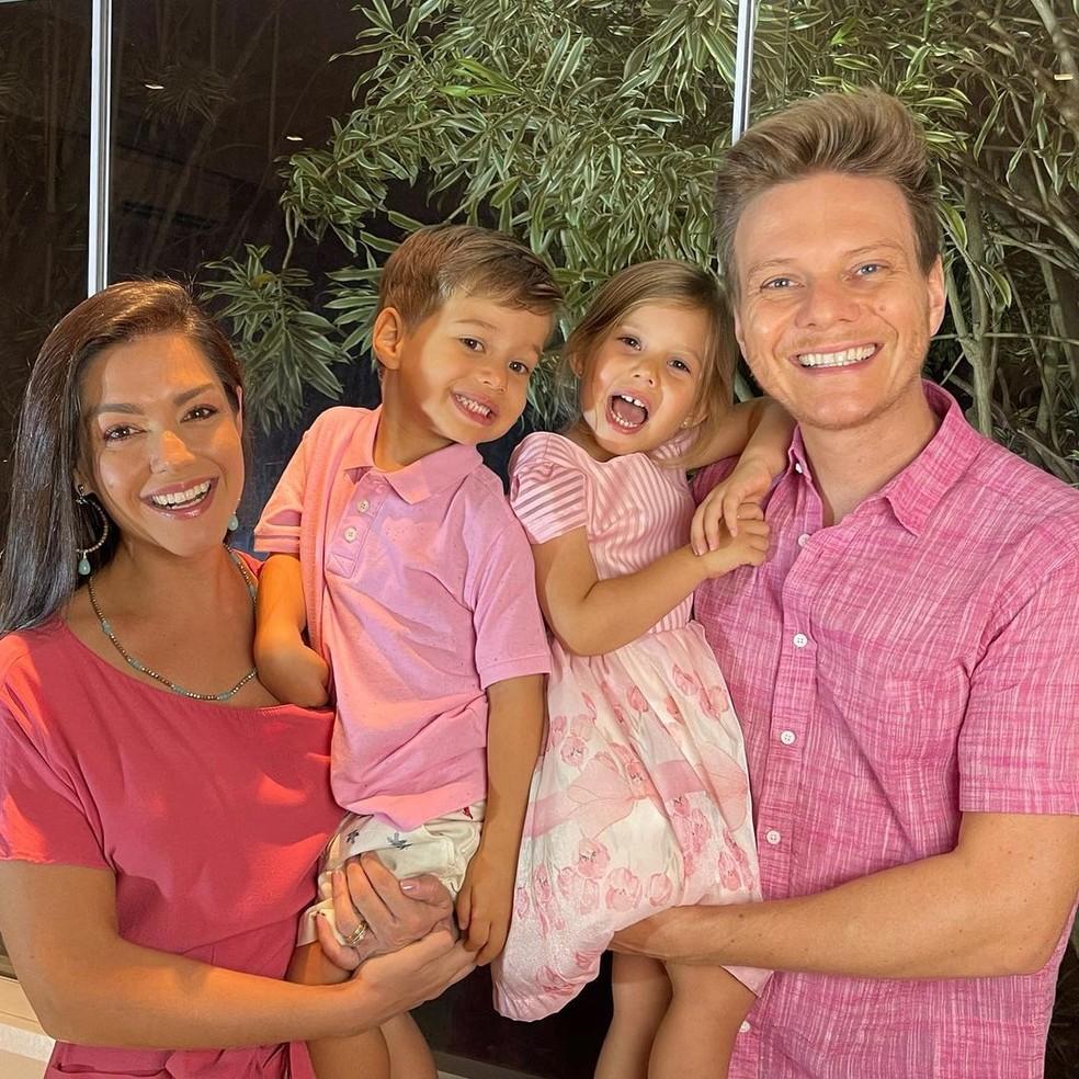 Thais Fersoza e Michel Teló com os filhos — Foto: Reprodução/Instagram