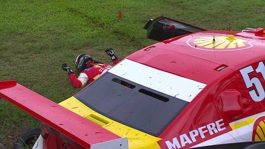 Cena forte! Átila Abreu sofre acidente grave em treino da Stock Car