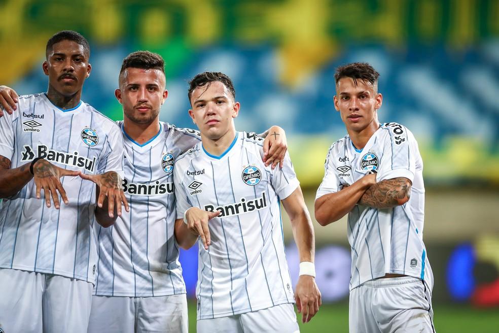Jean Pyerre, Matheus Henrique, Pepê e Ferreira: os guris do Grêmio — Foto: Lucas Uebel/Grêmio