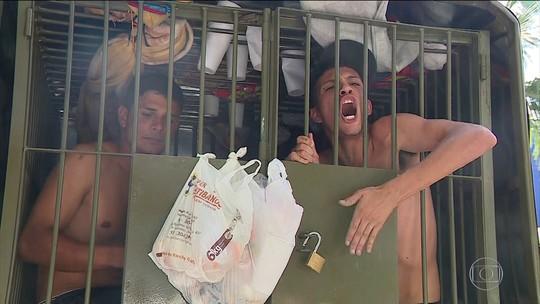 Falta de vagas nas cadeias do Sul deixa presos até dentro de camburões