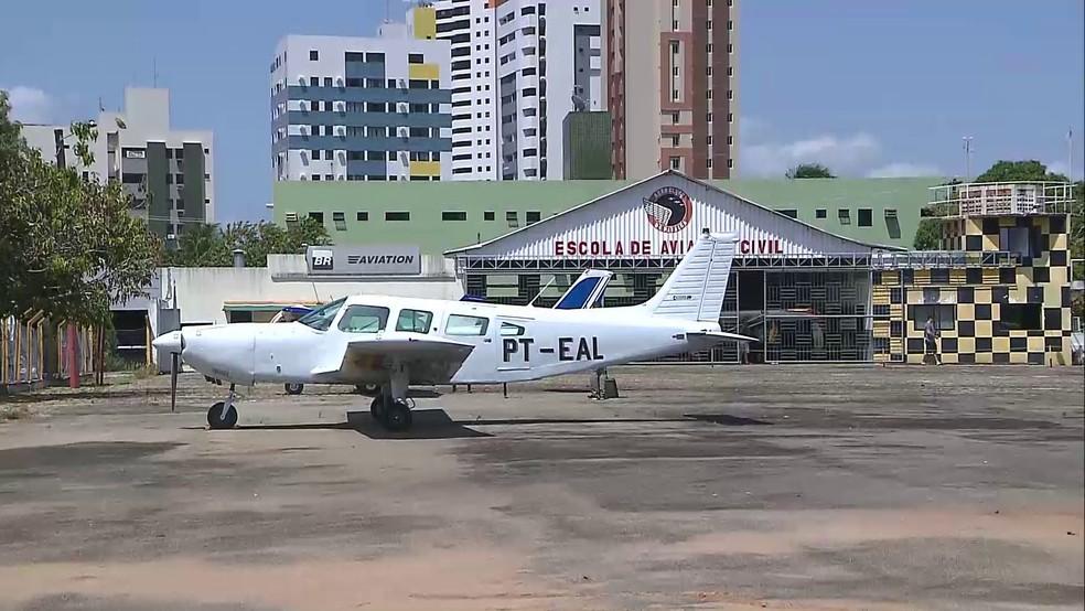 Aeroclube da Paraíba, em João Pessoa, teve suas atividades suspensas pela Aeronáutica na sexta-feira  (Foto: Reprodução/TV Cabo Branco)