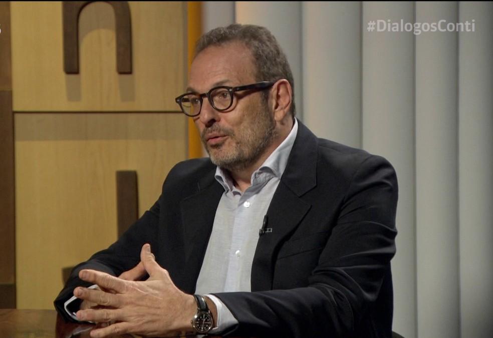 Luiz Schwarcz em entrevista para Mario Sérgio Conti — Foto: GNEWS