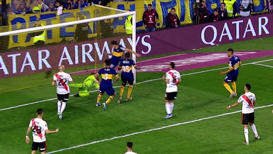 """Torcida aplaude o Boca após queda, e Tévez se diz orgulhoso: """"Nem todos têm essa grandeza"""""""