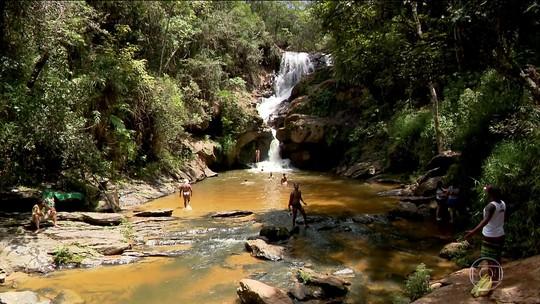 São Tomé das Letras atrai turistas para MG por suas grutas e cachoeiras