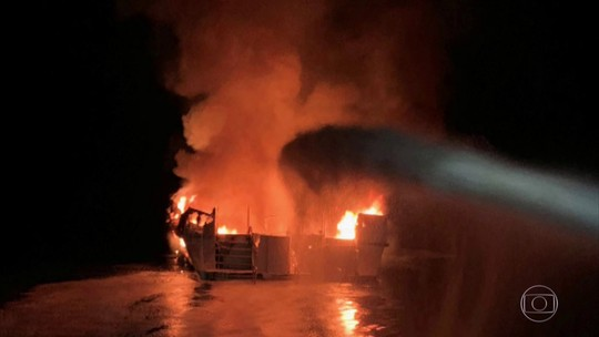 Vinte corpos foram encontrados, depois de incêndio em barco na Califórnia
