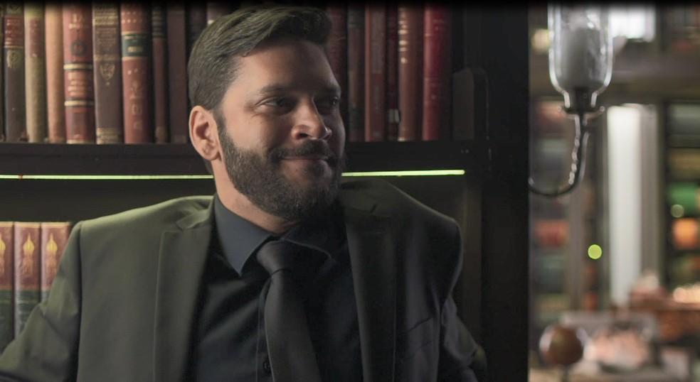 Diogo (Armando Babaioff) tem um plano para acusar Paloma (Grazi Massafera) de roubo em 'Bom Sucesso' — Foto: Globo