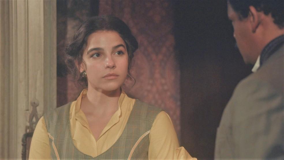 Pilar (Gabriela Medvedovski) ficará arrasada ao ouvir que Samuel (Michel Gomes) ama Zayla (Heslaine Vieira) — Foto: Globo