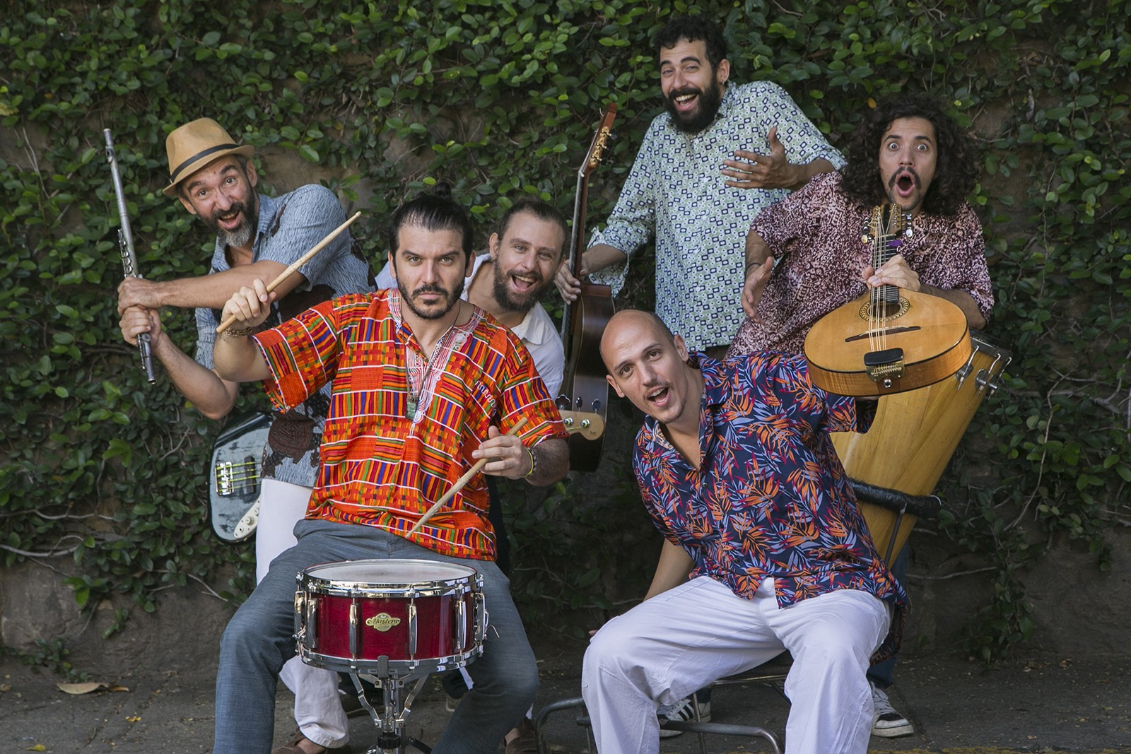 Sexteto Sucupira faz 'forró jazz cigano tropical' no primeiro álbum - Notícias - Plantão Diário