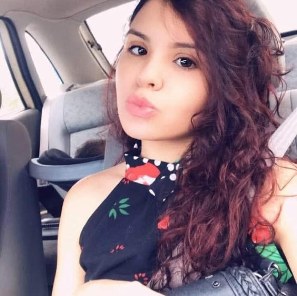 Karine Melo da Silva, de 23 anos, foi morta e jogada em rio — Foto: Arquivo pessoal