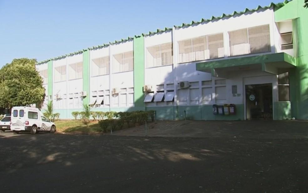 Prédio da Santa Casa de Pereira Barreto (Foto: Reprodução/TV TEM)