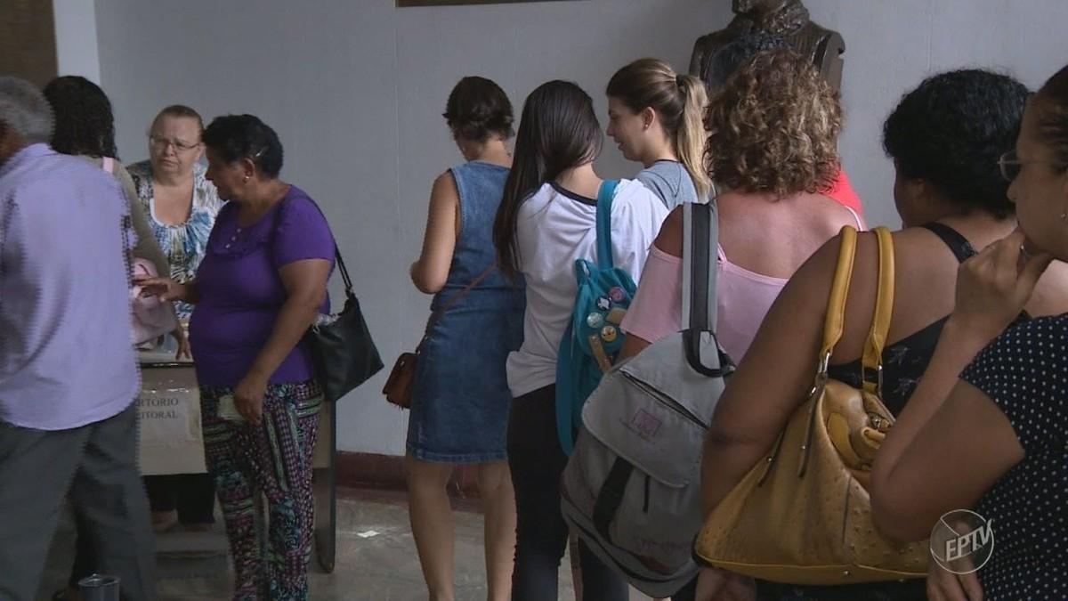 Boato sobre fim de prazo e multa para quem não fizer a biometria lota cartório eleitoral em Campinas