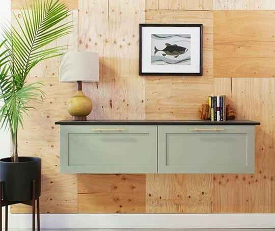 Uma cômoda embutida na parede é uma ótima ideia para ocupar menos espaço do chão (Foto: Pinterest / Reprodução)