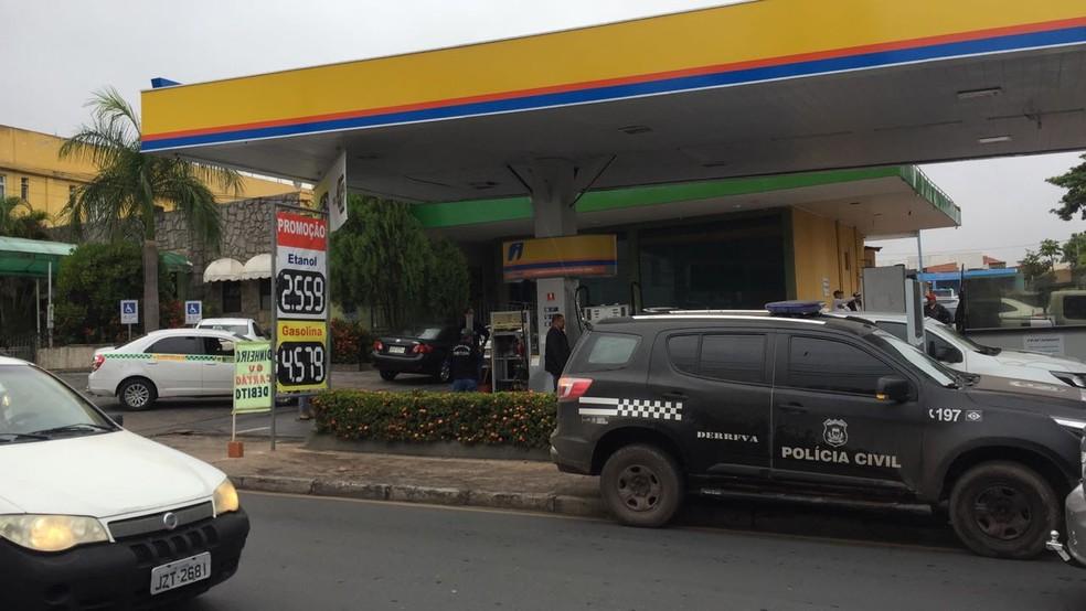 Operação constatou irreguçaridades em posto de combustível em Cuiabá (Foto: Polícia Civil de MT)