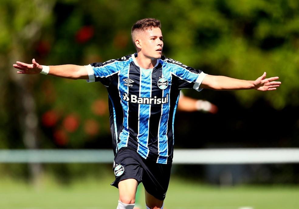 Pedro Lucas atuando pelo time sub-20 do Grêmio — Foto: Rodrigo Fatturi/DVG/Grêmio