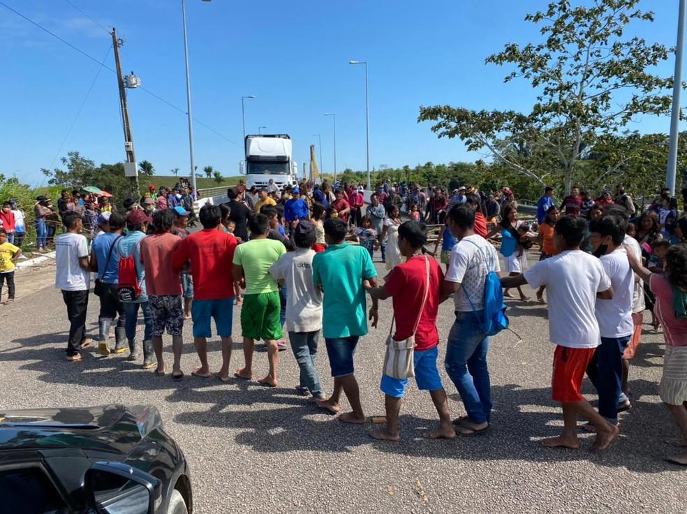 Indígenas protestam no interior do Acre — Foto: Arquivo pessoal