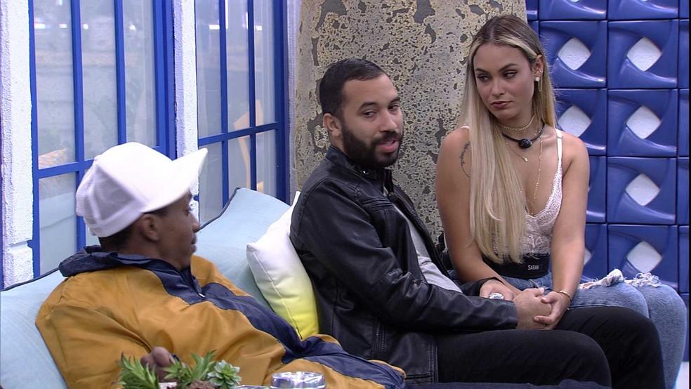 BBB21: Lucas conversa com Sarah antes da Noite de Eliminação  — Foto: Globo