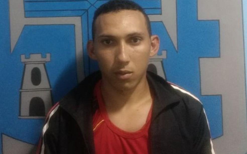 Padrasto que é suspeito de agredir enteada foi denunciado pela companheira (Foto: Divulgação/ Polícia Civil)