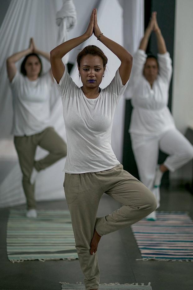 Como aulas de ioga têm influenciado a rotina de uma penitenciária feminina em São Paulo