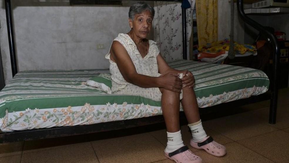 Remédios são a prioridade de Norma, para que ela não corra o risco de sofrer outro AVC — Foto: Oswer Diaz Mireles via BBC
