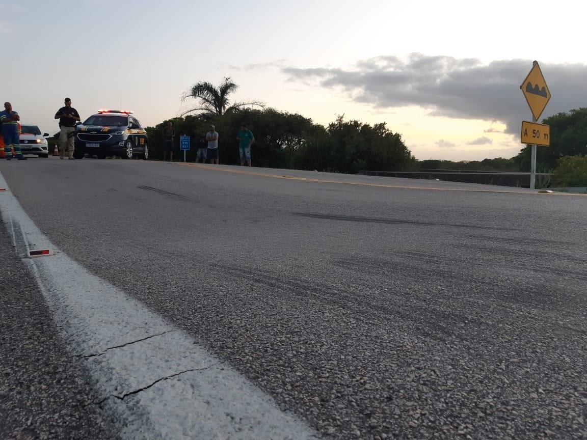Trecho da BR-471 está totalmente bloqueado em Rio Grande