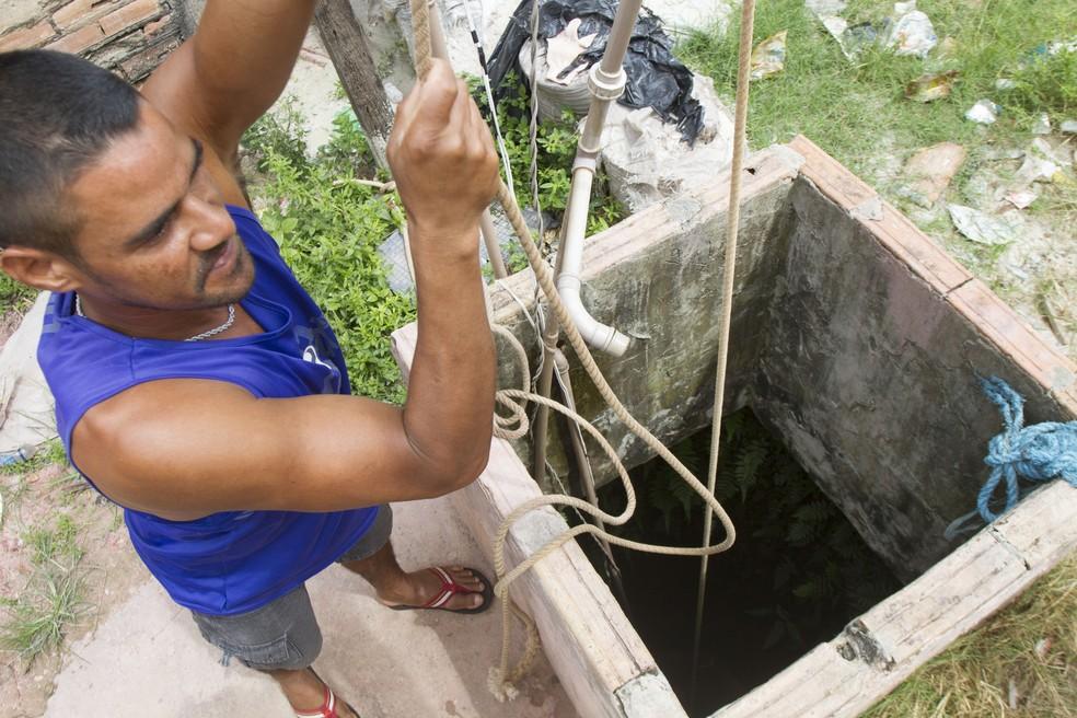 Poço artesiano no Pará; quase 90% dos poços do país são clandestinos — Foto: Nelson Neves