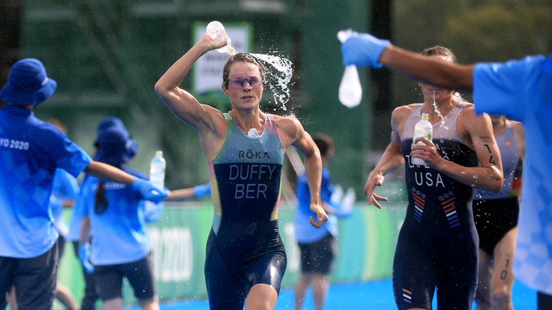 Flora Duffy, das Bermudas, levou o ouro no triatlo