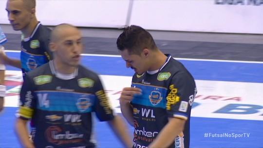 Pato bate Marreco mais uma vez e vai às quartas de final da Liga Nacional de Futsal