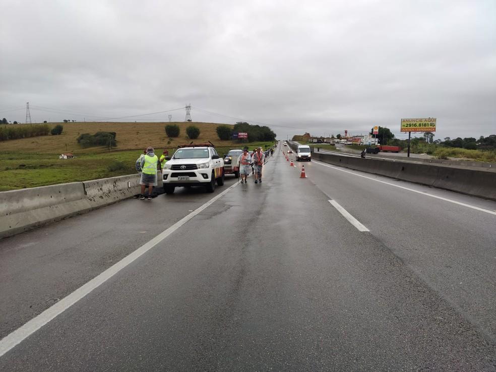 Motorista fugiu após atropelar duas romeiras no trecho de Caçapava — Foto: Divulgação/ Polícia Rodoviária Federal