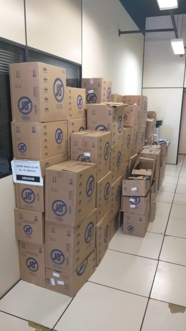 Polícia apreende 27 mil maços de cigarros roubados em Carmo, no RJ - Noticias
