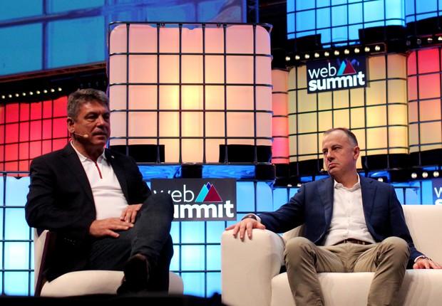 Carsten Breitfeld, CEO da Byton, e Martin Hofmann, CIO da Volkswagen, na Web Summit (Foto: Felipe Maia)