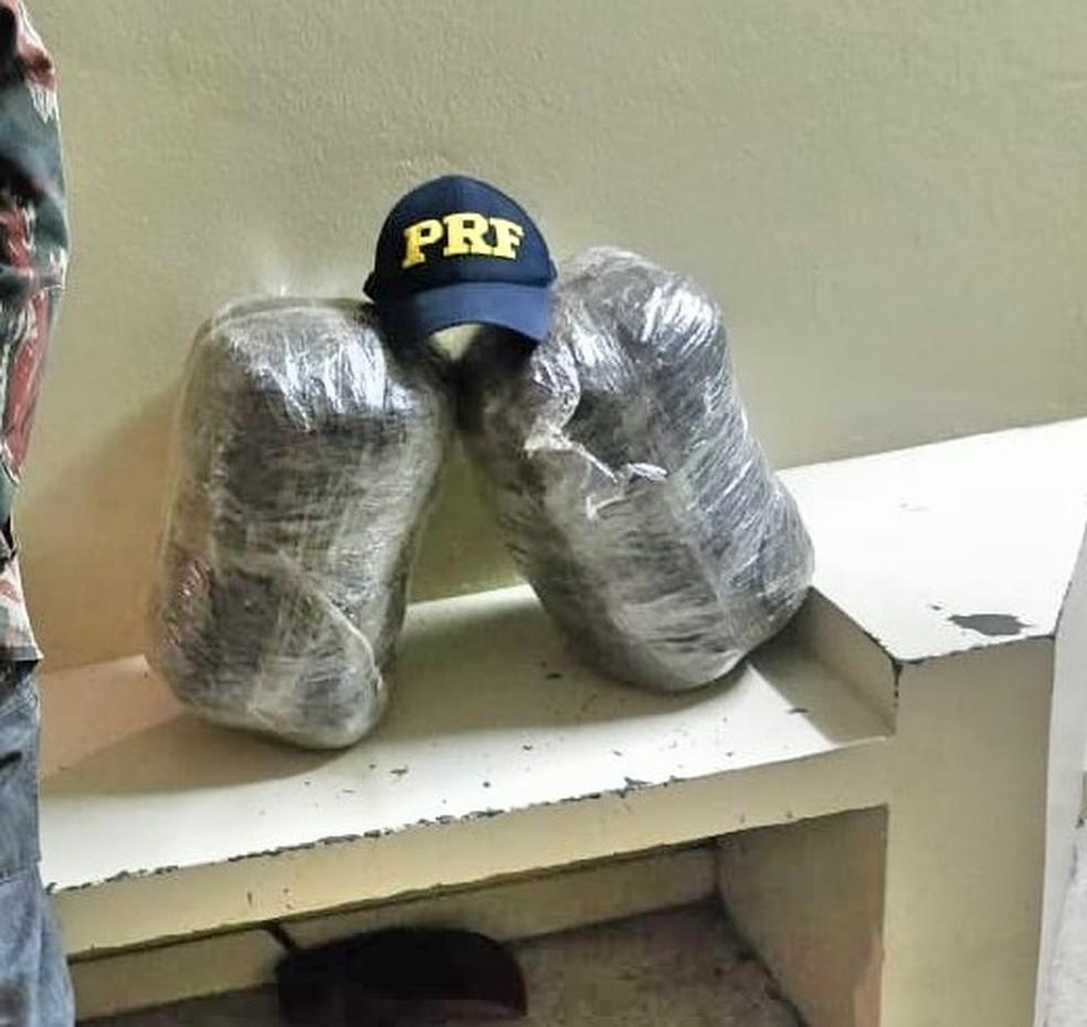 Droga apreendida na BR-232 em São Caetano — Foto: Polícia Rodoviária Federal/Divulgação