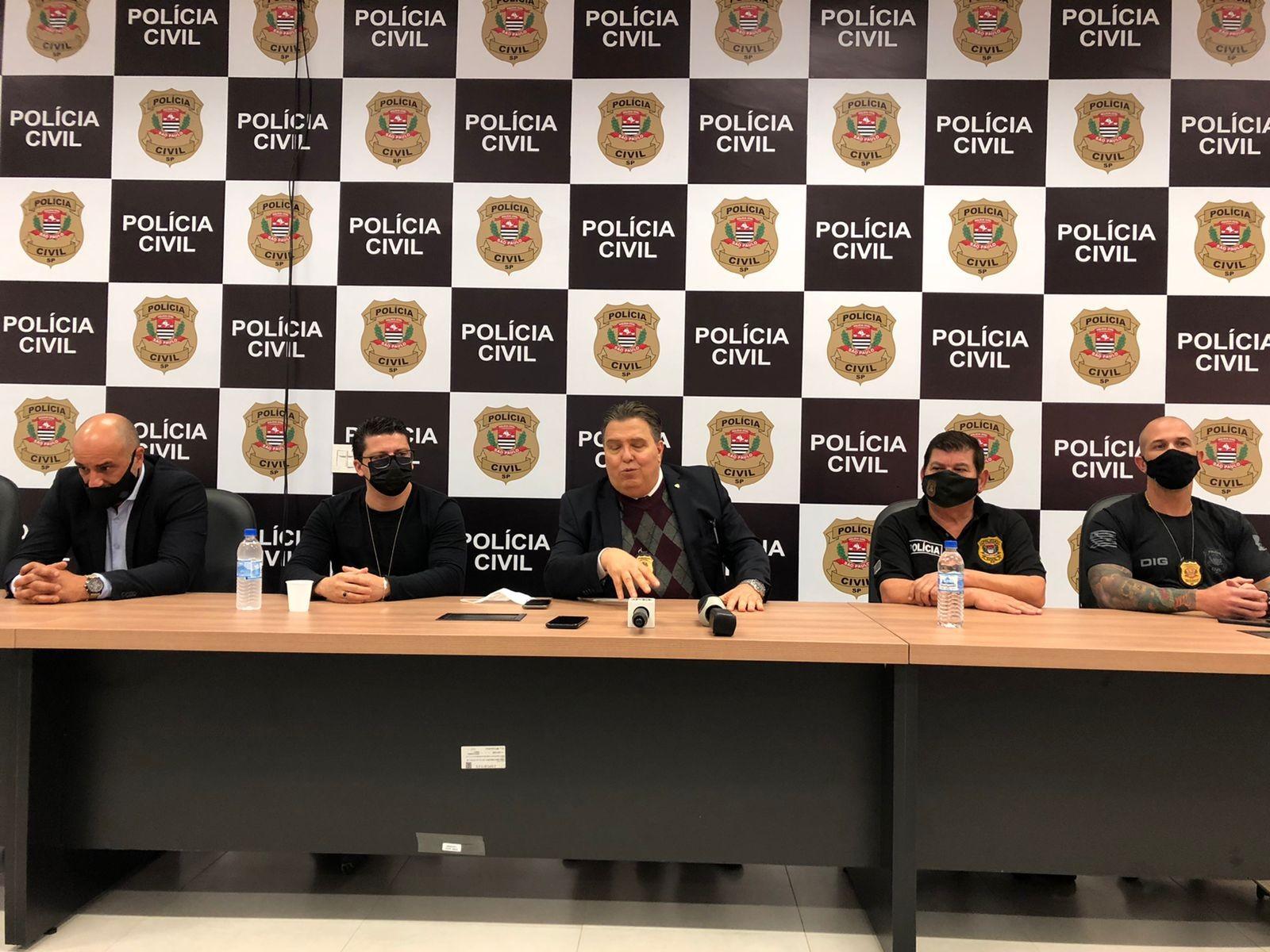 Operação da Deic de São José prende trio suspeito de integrar organização de tráfico de drogas, armas e lavagem de dinheiro