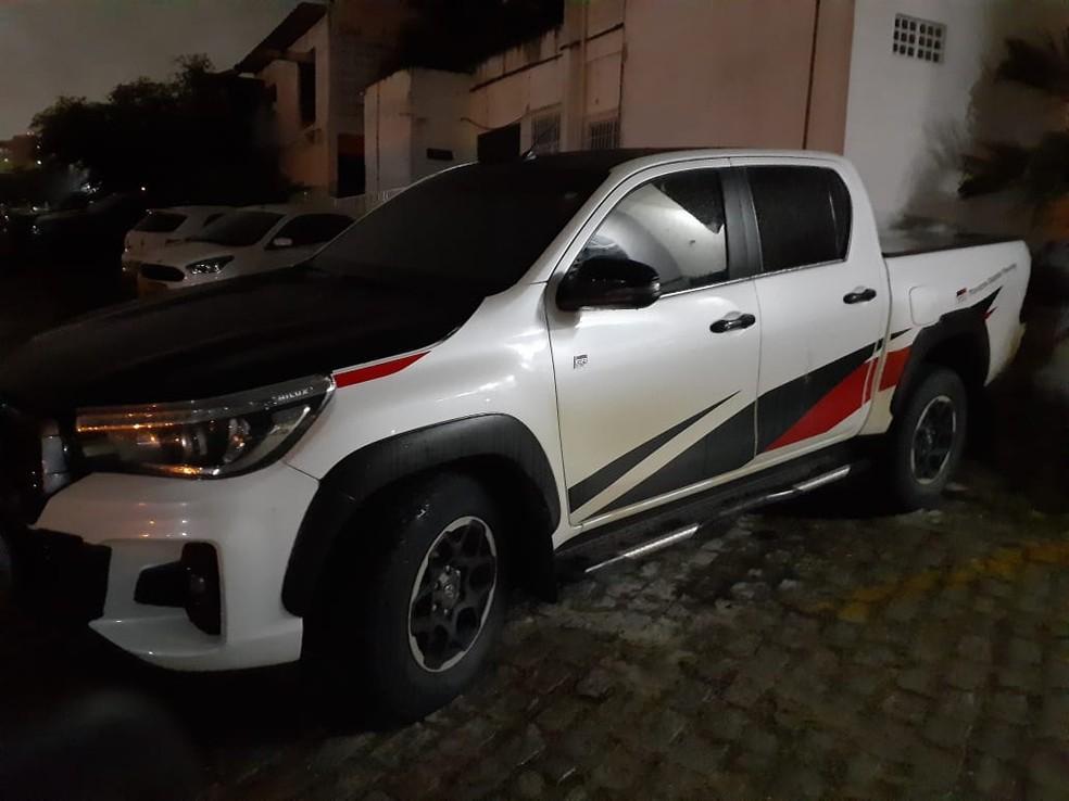 Bandidos também usavam carros blindados, que foram apreendidos — Foto: Julianne Barreto/Inter TV Cabugi