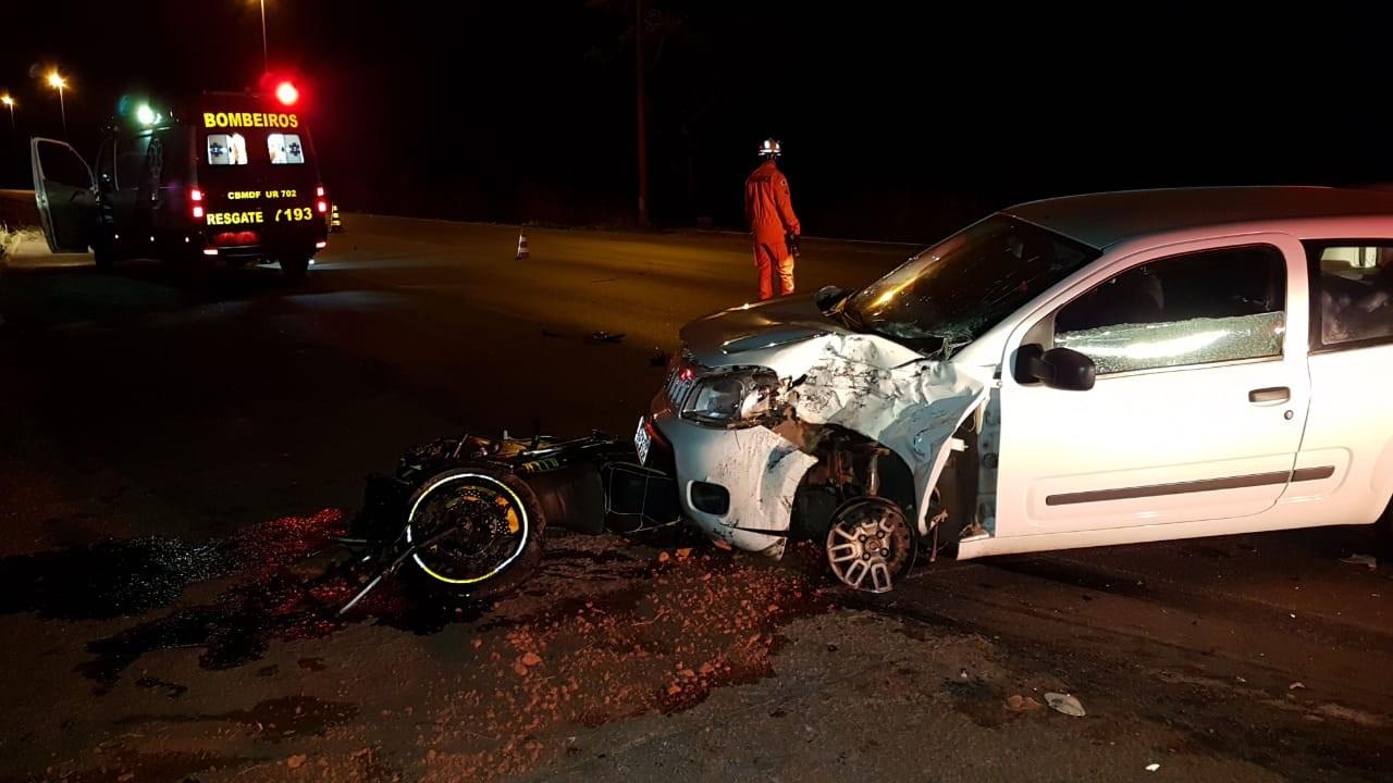 Motociclista morre ao ser arremessado por 20 metros após acidente no DF