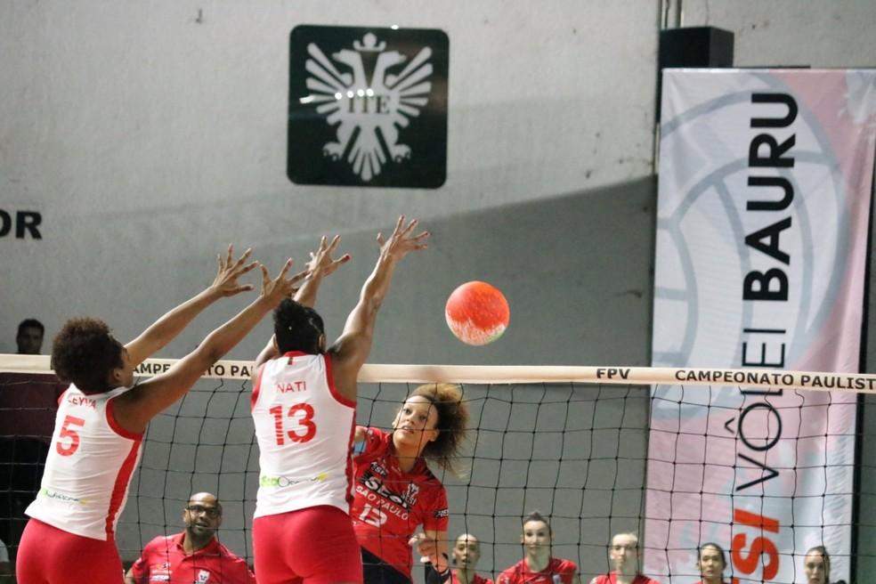 Diouf é a esperança de pontos do Bauru nesta Superliga — Foto: Marcelo Ferrazoli / Sesi-Bauru
