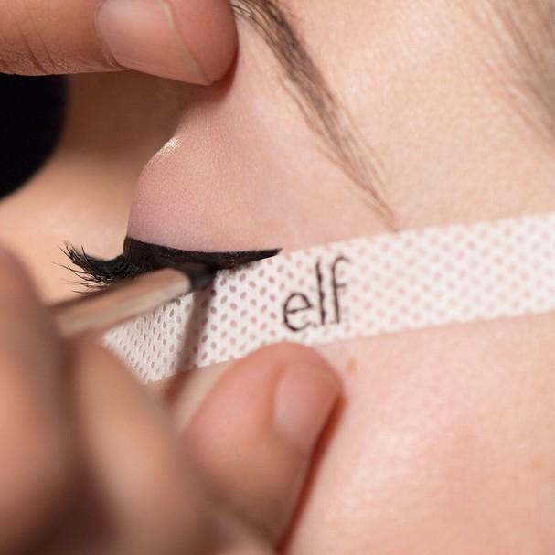 Fita Line and define, US$ 2, E.L.F (Foto: Reprodução Instagram)